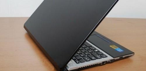 открытый ноутбук