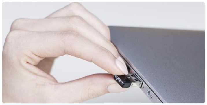 USB-приемник вставляем в USB-разъем ПК